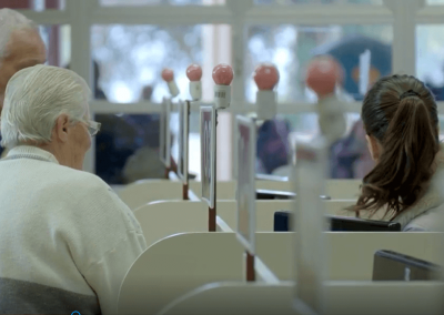 Assegurar assistência digna à pessoa idosa atendida na unidade de urgência e emergência